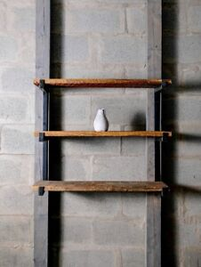 Petite étagère, tablette murale en acier et bois de grange
