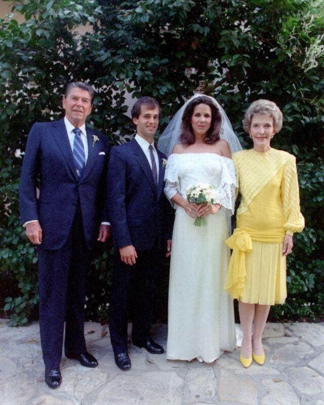 President Ronald Reagan and Nancy at daughter Patti Davis wedding New 8x10 Photo