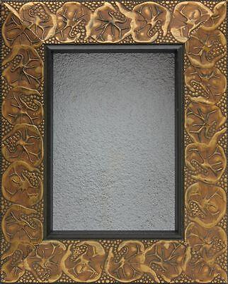 Dekorativer Rahmen Spiegelrahmen mit vergoldetem Reliefdekor