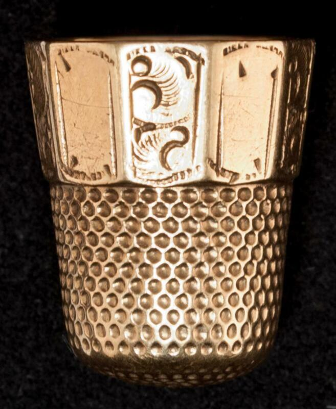 Antique Waite Thresher 10K Gold Thimble 10 Panel