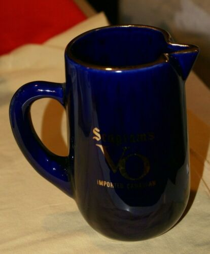 """Seagrams VO Canada Whisky/WATER Pitcher Blue Gold Trim Collectible 6""""H X 3.5""""D"""