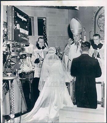 1952 Press Photo Richard Cardinal Cushing Performs Tv Wedding Wbz Boston
