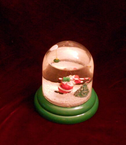 1989  Enesco Santa Claus Swinging at Ball w/Cane Christmas Snow Globe JOHN JONIK