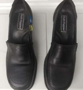 Women's heel safety work shoes. Size 8