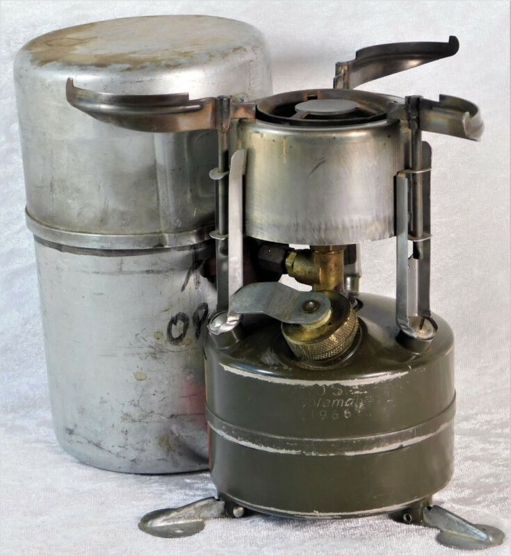 VTG 1966 Vietnam US ARMY Coleman M-1950 GI Pocket Camp Stove & 1945 Coleman Case