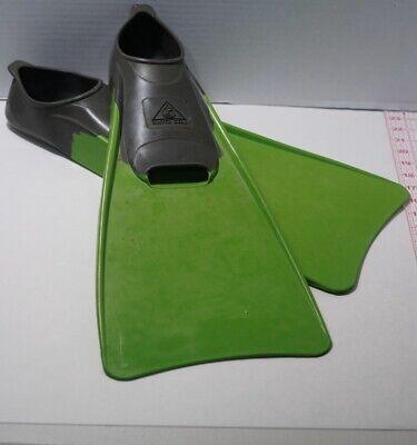 Water Gear Swim Fins Body Surf Snorkeling Brand New Size 11-13 Green Flippers Surf Swim Fin
