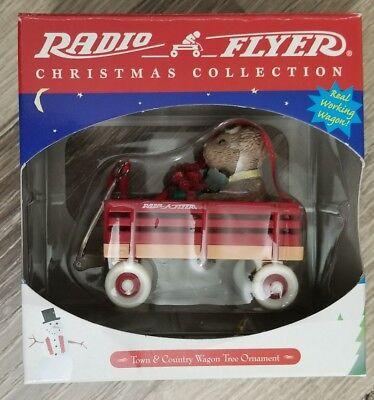 Radio Flyer Town & Country Wagon Christmas Tree Ornament Teddy Bear NEW, 1999