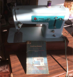 Singer Stylemate portable sewing machime