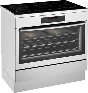Westinghouse WFE946SA 90cm ceramic freestanding cooker