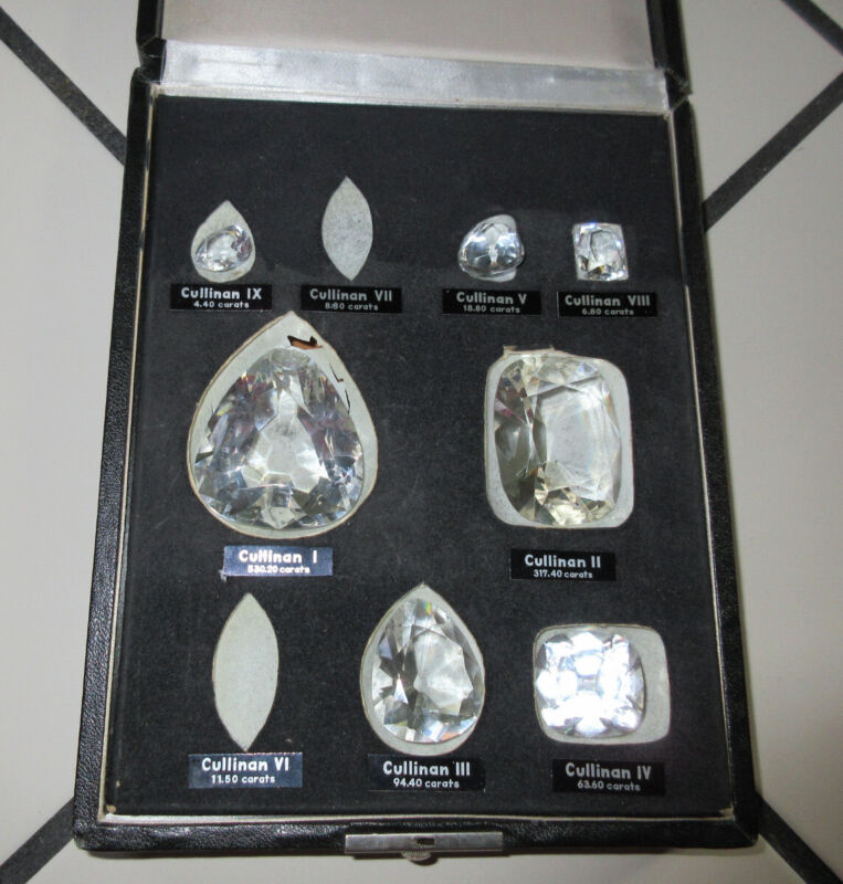 Cullinan Diamond Crystal Replica Collection King Queen Case INCOMPLETE Imperfect