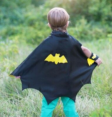 Great Pretenders Boy's Bat Cape with Mask and Wristbands Costume Set (S 3/4)