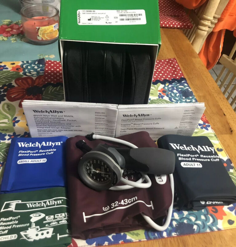 Welch Alyn DuraShock DS66 Trigger Aneroid Sphygmomanometer with 4 Cuff Kit.  NEW