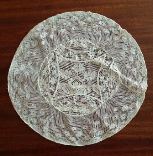 Antique French NORMANY LACE Round Centerpiece Table Doily - 10""