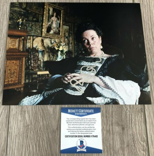 OLIVIA COLMAN SIGNED THE FAVOURITE CROWN 8x10 PHOTO C w/EXACT PROOF BECKETT COA