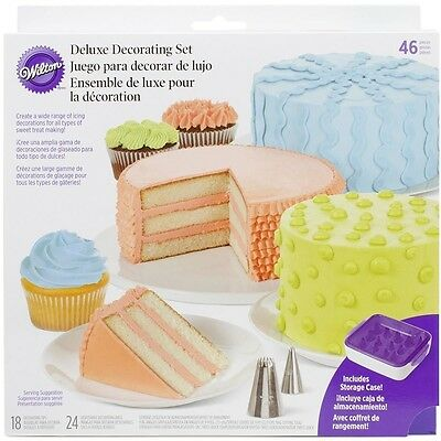 Wilton Cake Decorating Star Deluxe Set 46 pc 18 tips 24 Bags Spatula Suit