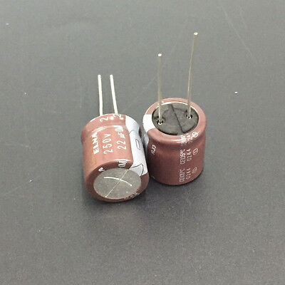 SMD Kondensatoren// SMT Capacitors 100 x 560pF NP0 0.56nF 0805 5/% 50V C0G