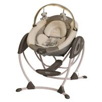Activity centre (battery included)+ Graco swing
