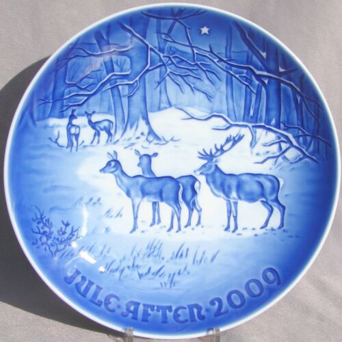 BING & GRONDAHL 2009 Christmas Plate B&G – CHRISTMAS in the WOODS -- MINT!