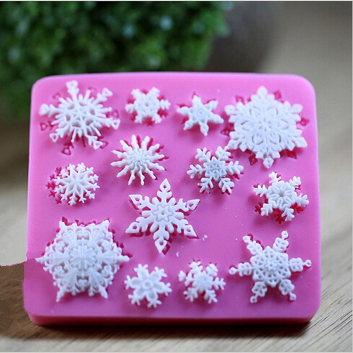 Как сделать мыльный раствор для приклеивания снежинок