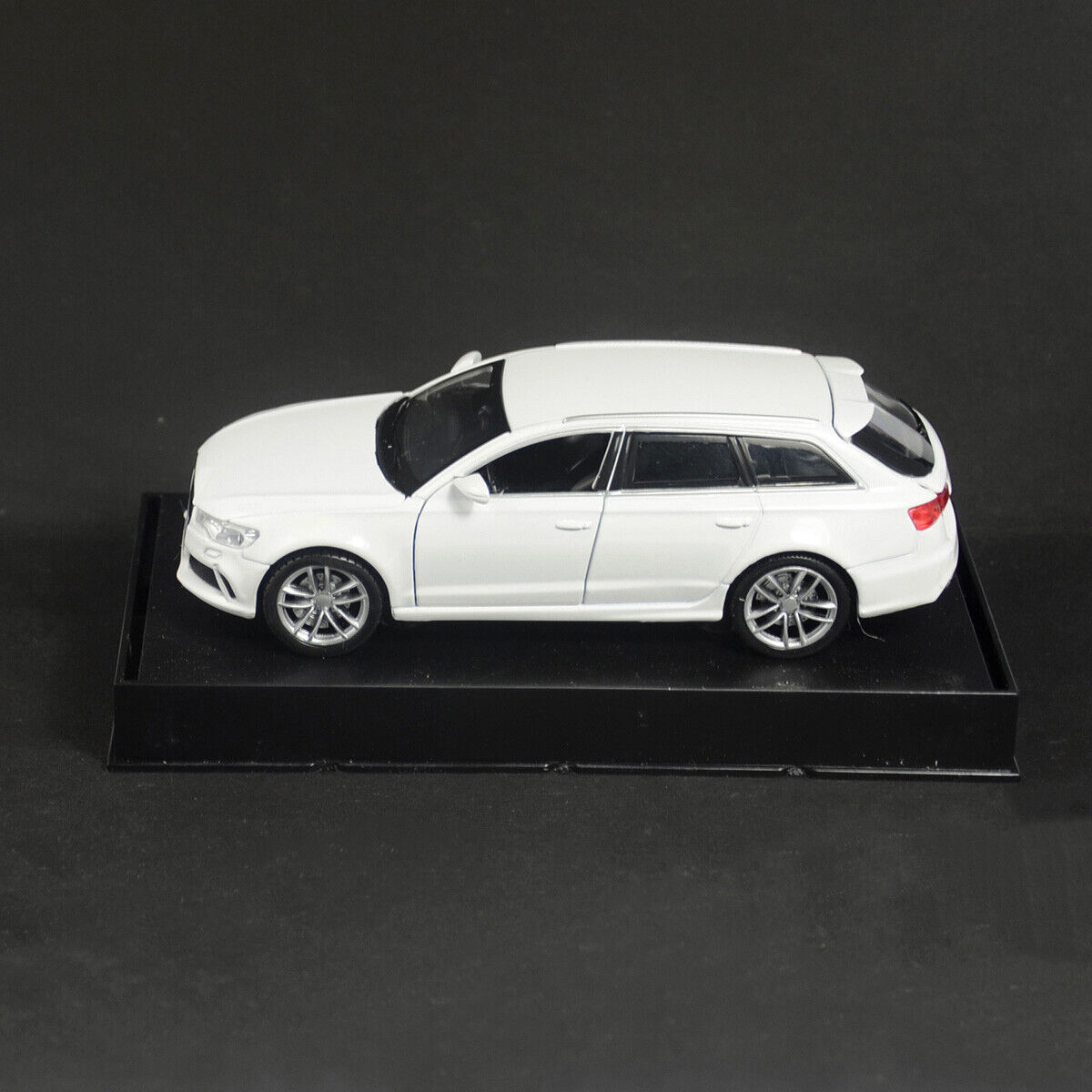 1:32 Audi RS6 Quattro Car Model Alloy Diecast Toy Vehicle White Gift Pull Back