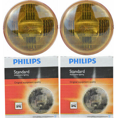 (Two Philips Standard Sealed Beam Amber Light Bulb 4412AC1 for 4412A PAR-46 om)