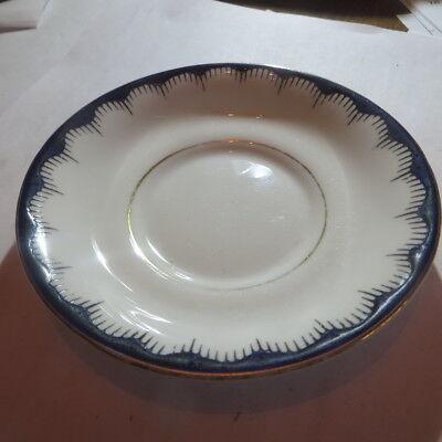 1 petite assiette avec bordure noire et liseré or « Tuscan Fine English Bone Chi