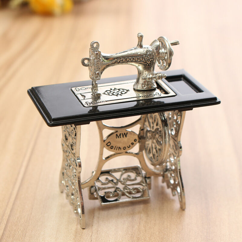 Vintage Style Miniature Dollhouse 1/6 1/12 Scale Metal Sewing Machine Furniture