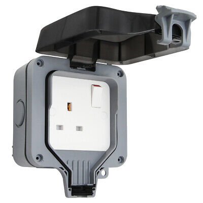 Waterproof Outdoor 13A Storm Switched Single Socket IP66 Outside Use
