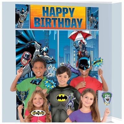 Batman Happy Birthday Scene Setter w/Photo Booth Props (13 Pieces) - 670758