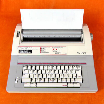 Smith Corona Electronic Typewriter Xl 1700 Model 5a-1 Excellent Condition