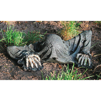 Ancient Medieval Druid Creeper Graveyard Dark Messenger Halloween Sculpture (Ancient Druids Halloween)