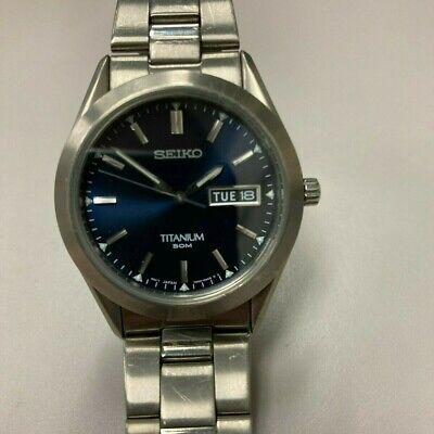 Seiko Titanium Men's Watch 7N43-0AB0 Blue Dial - Runs Great!