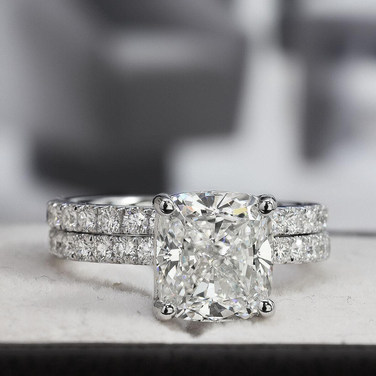 Dazzling 2.10 Ct. Cushion Cut Diamond Engagement Ring Bridal Set GIA Certified 3