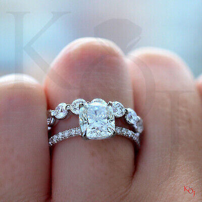 2.05 Ct Cushion Cut Diamond Solitaire with Accents Engagement Ring G VS2 18K GIA 2