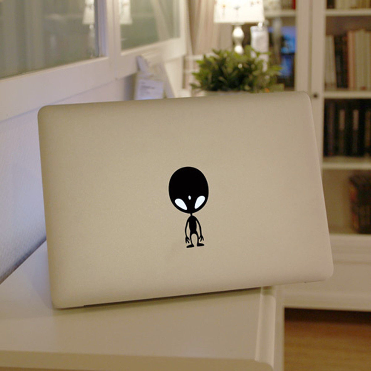 How to Decorate a Laptop