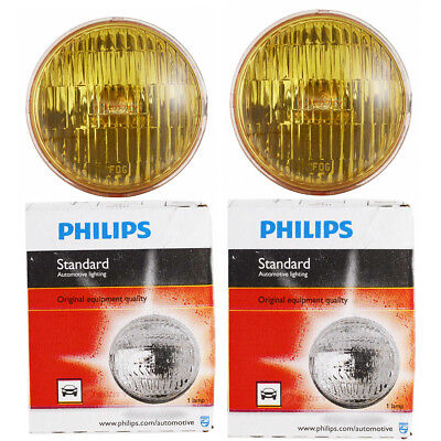 (Two Philips Standard Sealed Beam Amber Light Bulb 4415AC1 for 4415A PAR-36 lv)