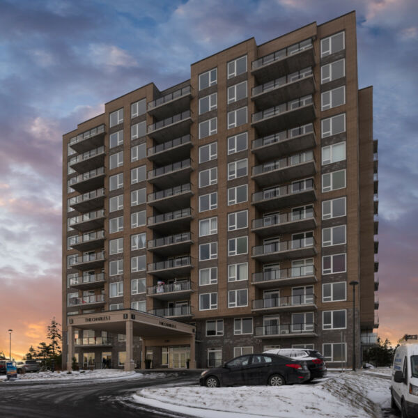 LARRY UTECK 2 BEDROOM LUXURY APARTMENT