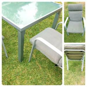 Glass outdoor table 2 chairs
