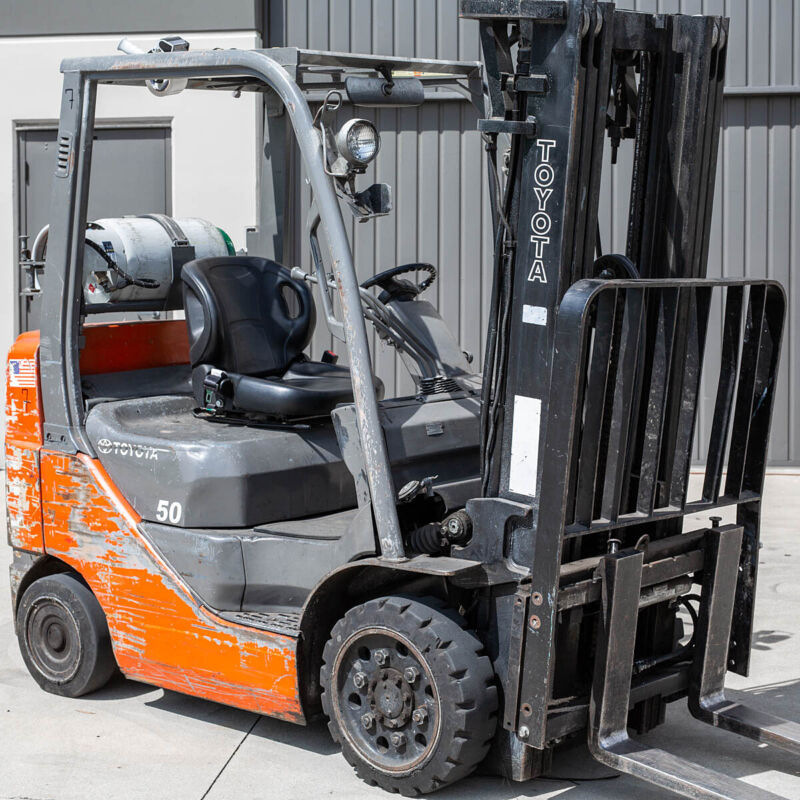 Toyota Nissan yale Universal Replacement all Forklift Bucket Seat w/ Seat Belt