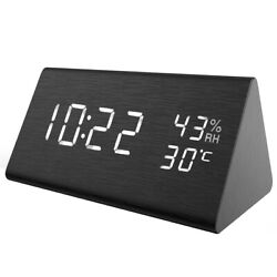 1*Digital USB Electric_Led Alarm Clock With Phone Wireless Charger Table Desktop