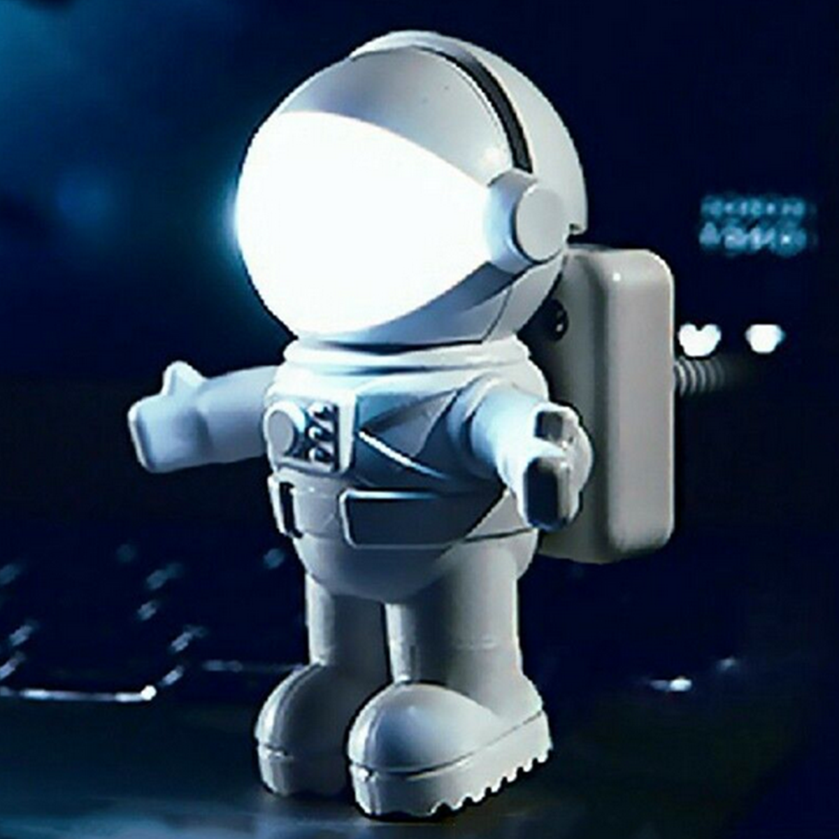 Astronaut Spaceman USB LED Adjustable Night Light For Computer PC Lamp Desk Kids