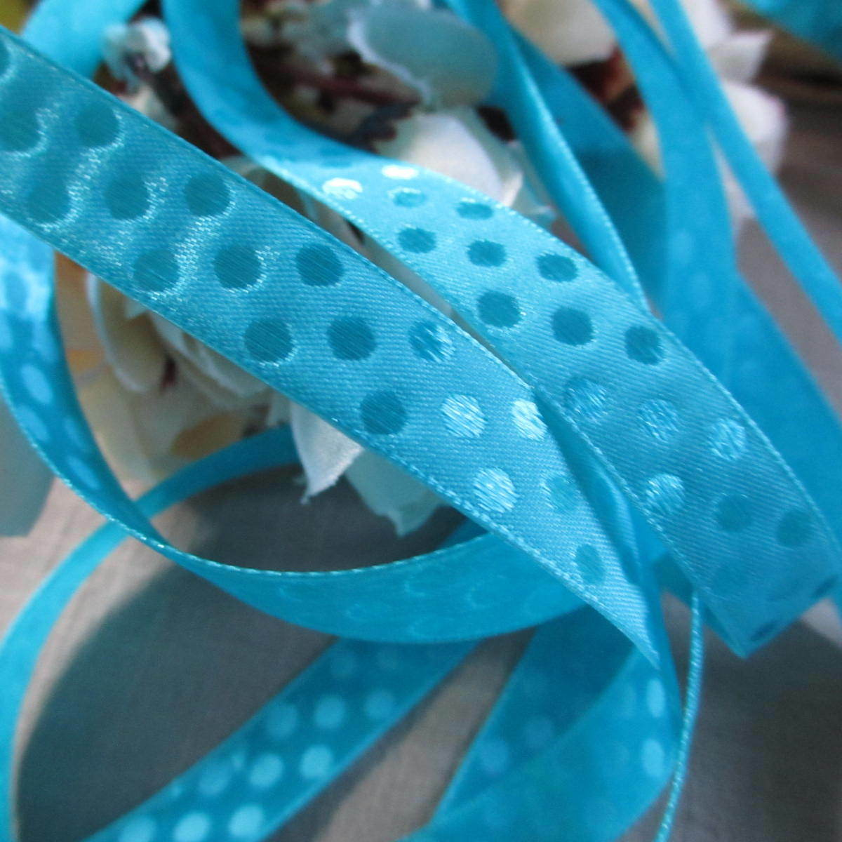 "wide 2 Colours per 3m length Clearance 3//8/"" Satin Polka Dot Ribbon 10mm"
