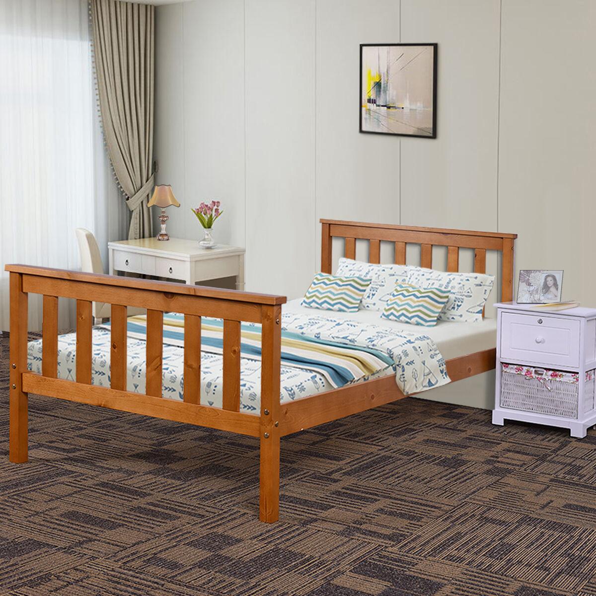 holzbetten aus massivholz mehr als 200 angebote fotos. Black Bedroom Furniture Sets. Home Design Ideas
