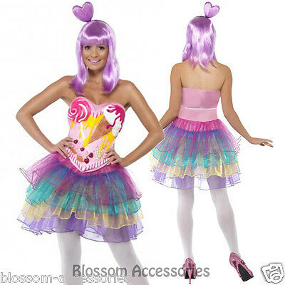 - Katy Perry Outfit