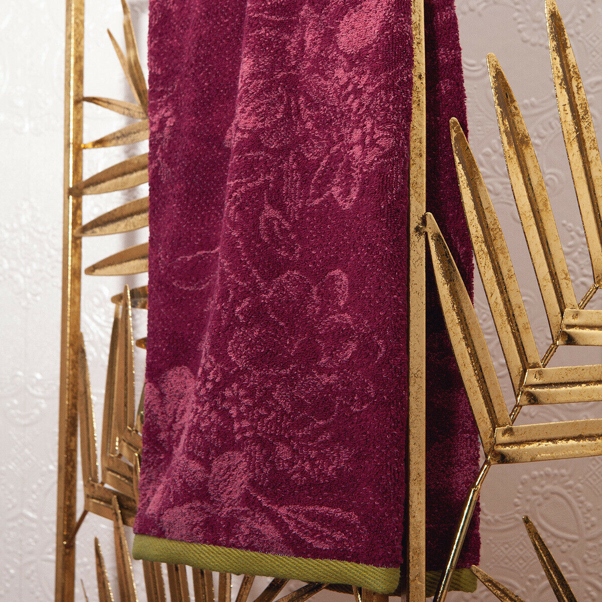 LEONOR BY YVES DELORME FRANCE - MEGANTA COLOR COTTON TOWEL,