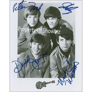 THE-MONKEES-HUGE-SIGNED-PHOTO-ABSOLUTELY-STUNNING