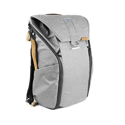 Peak Design Everyday Backpack 20L Ash. Premium Camera Rucksack.