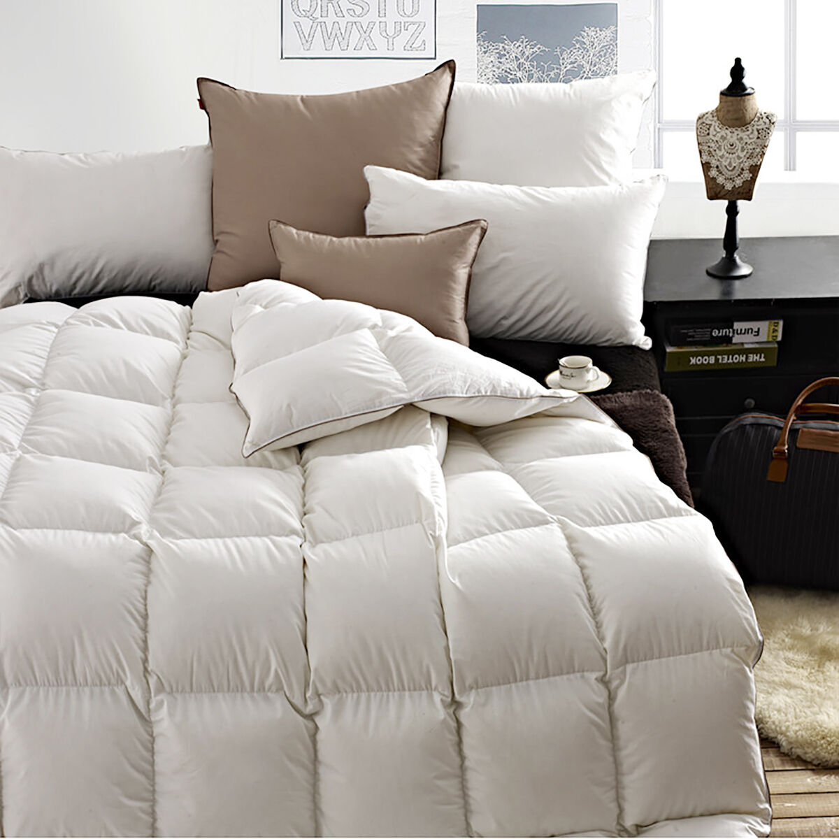 snowman goose down comforter king 65oz fill weight baffle box 100 cotton soft ebay. Black Bedroom Furniture Sets. Home Design Ideas