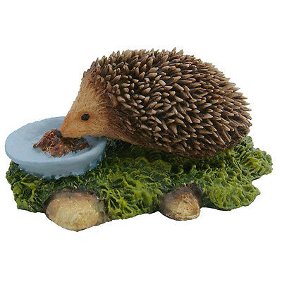 Hedgehog Eating Sculpture Animal Figurine Farm Gift NEW Hand Painted 04027