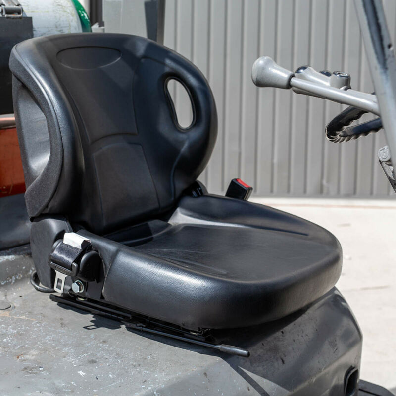MOLDED TOYOTA FORKLIFT SEAT WITH SEATBELT & SWITCH PREMIUM QUALITY BELT, BLACK